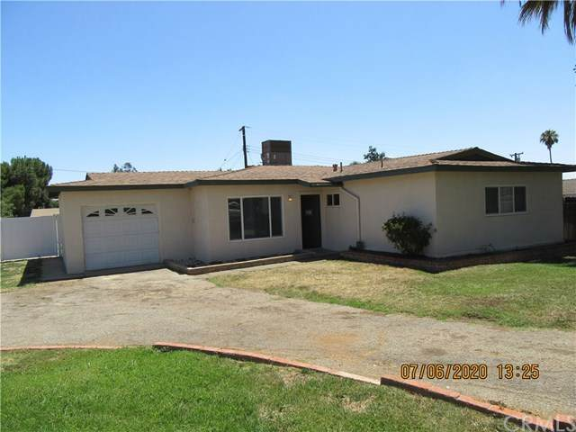 35287 Vineyard Street, Yucaipa, CA 92399 (#IV20132256) :: Go Gabby