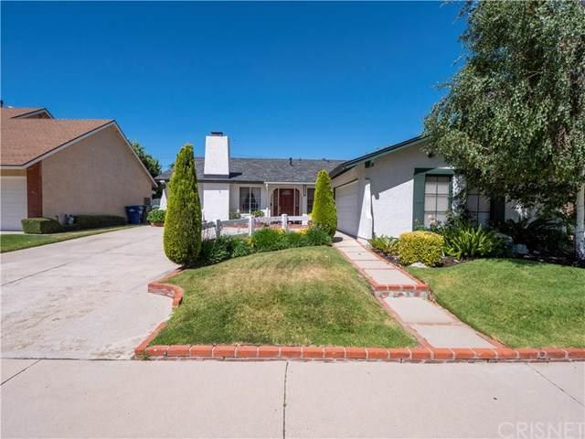 27823 Parkvale Drive, Saugus, CA 91350 (#SR20132234) :: Compass