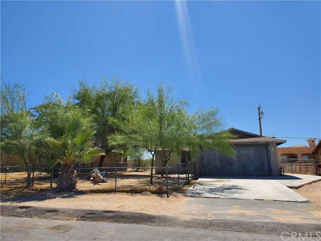 5444 Daisy Highway, 29 Palms, CA 92277 (#PW20132276) :: The Houston Team   Compass