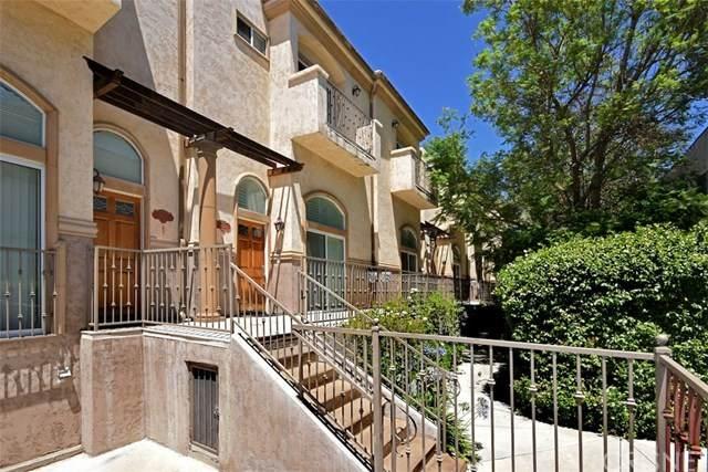 8840 Darby Avenue #11, Northridge, CA 91325 (#SR20132359) :: The Brad Korb Real Estate Group