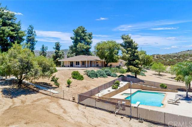 22470 Juniper Flats Road, Nuevo/Lakeview, CA 92567 (#SW20132399) :: The Houston Team | Compass