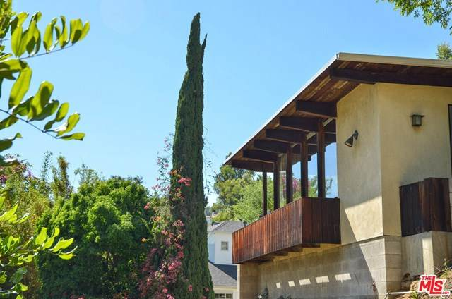 1130 Sunset Vale Avenue, Los Angeles (City), CA 90069 (#20588632) :: Compass