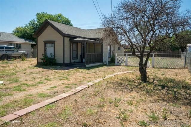 836 B St, Ramona, CA 92065 (#200031450) :: A|G Amaya Group Real Estate