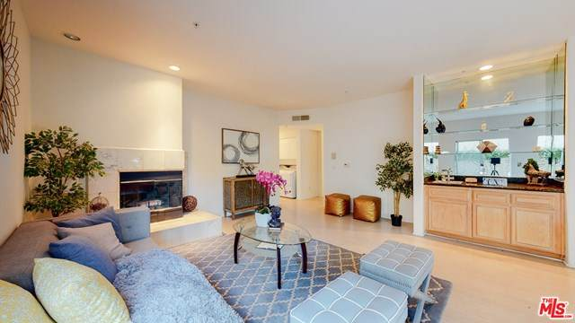1214 14Th Street #101, Santa Monica, CA 90404 (#20600992) :: Berkshire Hathaway HomeServices California Properties