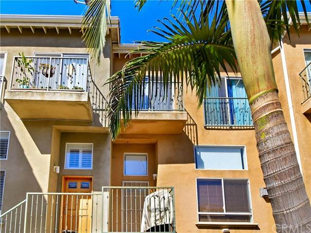 12368 Osborne Street #17, Pacoima, CA 91331 (#DW20131869) :: Millman Team