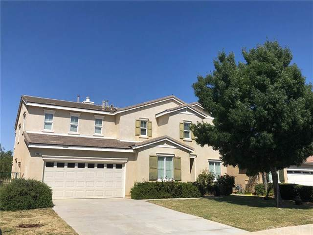 2207 Thorncroft Circle, Palmdale, CA 93551 (#SR20133351) :: Re/Max Top Producers