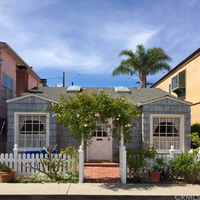 219 Garnet Avenue, Newport Beach, CA 92662 (#NP20133566) :: Pam Spadafore & Associates