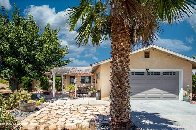 3884 Surrey Avenue, Yucca Valley, CA 92284 (#JT20127018) :: The Laffins Real Estate Team