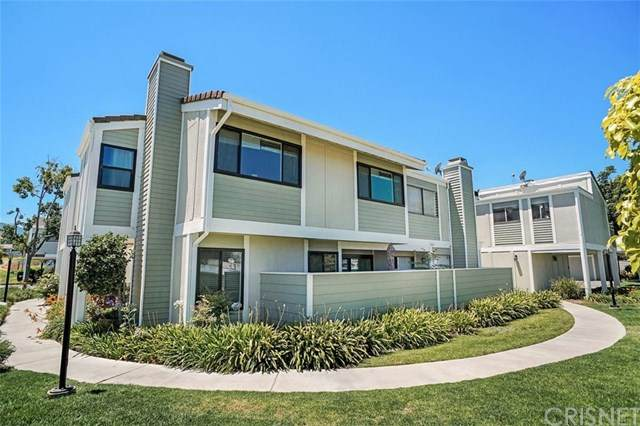 27123 Crossglade Avenue #6, Canyon Country, CA 91351 (#SR20128496) :: Provident Real Estate