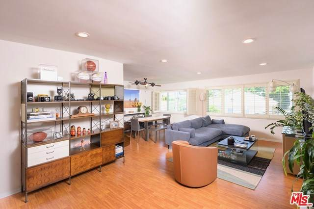 1121 N Olive Drive #308, West Hollywood, CA 90069 (#20601988) :: The Veléz Team