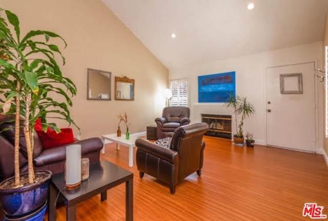 678 Via Colinas, Westlake Village, CA 91362 (#20601076) :: Crudo & Associates