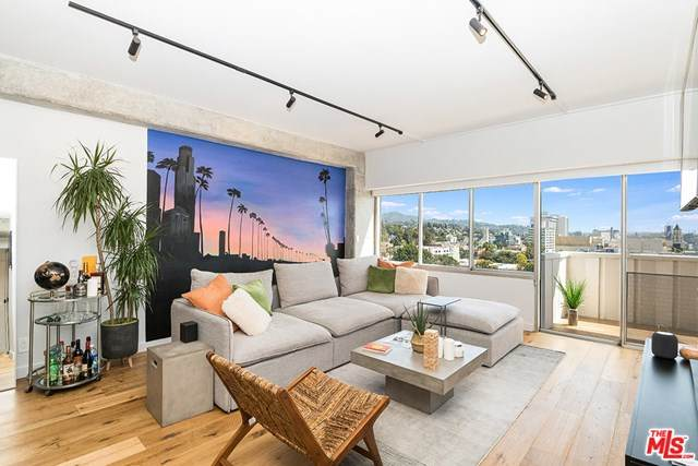 7135 Hollywood Boulevard #904, Los Angeles (City), CA 90046 (#20601884) :: RE/MAX Empire Properties