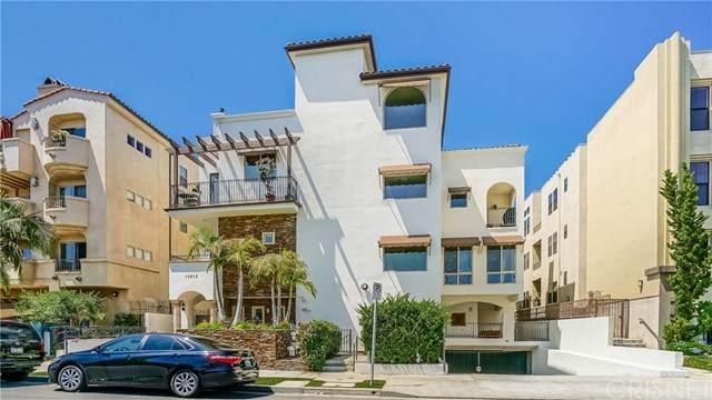 10913 Whipple Street #205, Toluca Lake, CA 91602 (#SR20134939) :: The Brad Korb Real Estate Group