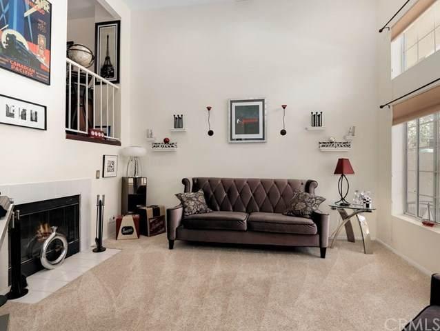 678 Warwick Avenue, Thousand Oaks, CA 91360 (#BB20136126) :: Allison James Estates and Homes