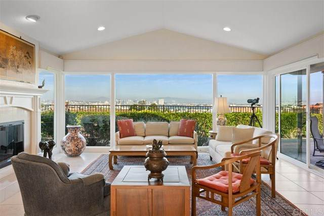 3582 Liggett Drive, San Diego, CA 92106 (#200032329) :: Re/Max Top Producers