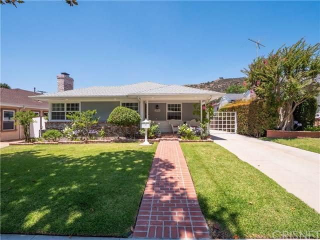 2049 E Glenoaks Boulevard, Glendale, CA 91206 (#SR20136453) :: The Brad Korb Real Estate Group
