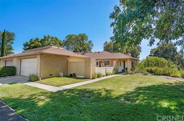 20086 Avenue Of The Oaks, Newhall, CA 91321 (#SR20131149) :: Allison James Estates and Homes