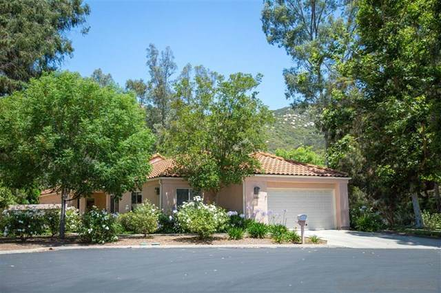 2209 Torrey Glen, Escondido, CA 92026 (#200032426) :: A|G Amaya Group Real Estate