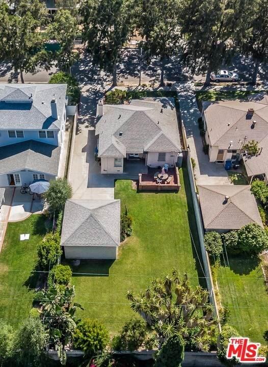 2449 26Th Street, Santa Monica, CA 90405 (#20602858) :: Berkshire Hathaway HomeServices California Properties
