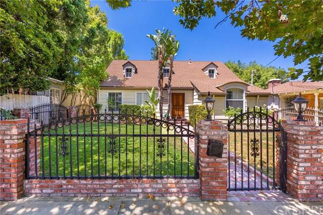 3719 Laurel Canyon Boulevard, Studio City, CA 91604 (#SR20137020) :: Z Team OC Real Estate
