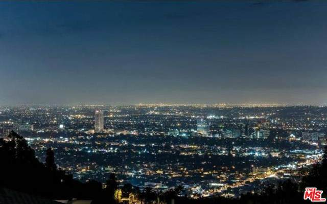 1577 Viewsite Drive, Los Angeles (City), CA 90069 (#20603266) :: Sperry Residential Group