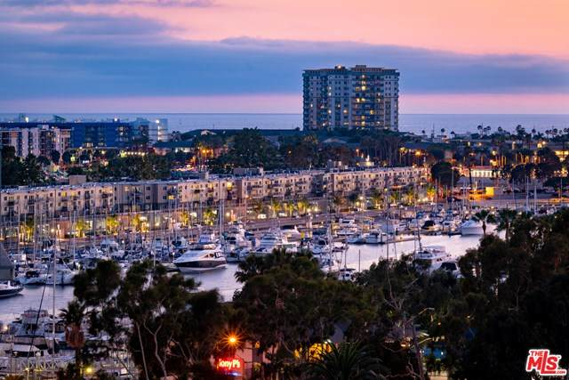13700 Marina Pointe Drive #1121, Marina Del Rey, CA 90292 (#20603392) :: Sperry Residential Group