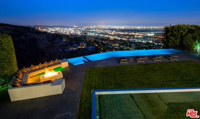 2002 Hercules Drive, Los Angeles (City), CA 90046 (#20603220) :: Sperry Residential Group