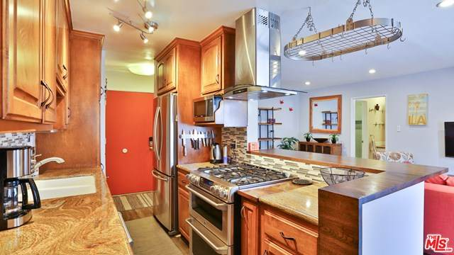 11550 Nebraska Avenue #108, Los Angeles (City), CA 90025 (#20603694) :: Sperry Residential Group