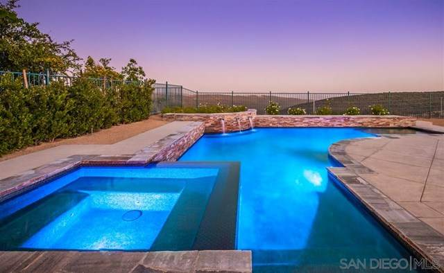 15557 Via La Ventana, San Diego, CA 92131 (#200032708) :: Blake Cory Home Selling Team