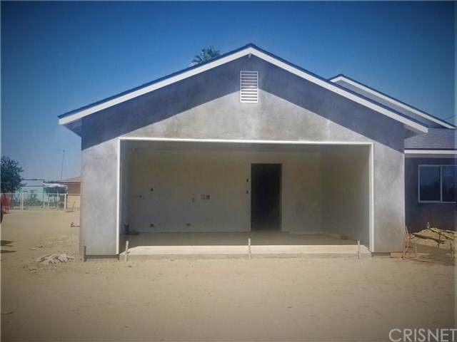 14871 Woodward Avenue, Lost Hills, CA 93249 (#SR20136800) :: Anderson Real Estate Group