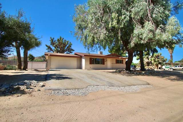 55733 Onaga Trl Trail, Yucca Valley, CA 92284 (#219046022DA) :: A|G Amaya Group Real Estate