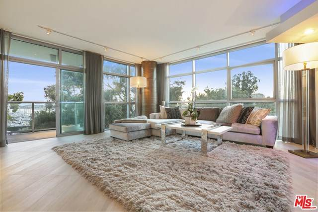 13700 Marina Pointe Drive #405, Venice, CA 90292 (#20604198) :: Sperry Residential Group