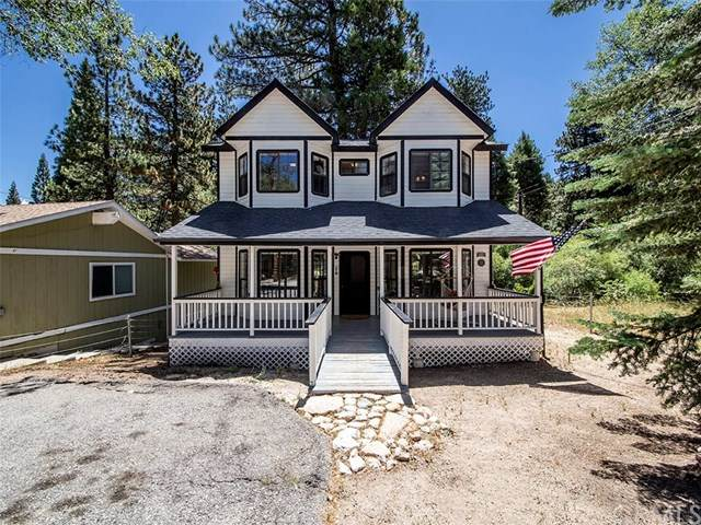 33195 Arrowbear Drive, Running Springs, CA 92382 (#IG20132441) :: Berkshire Hathaway HomeServices California Properties