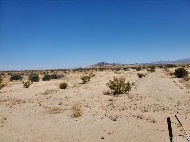 1 Indian Trail, 29 Palms, CA 92277 (#JT20144156) :: Powerhouse Real Estate