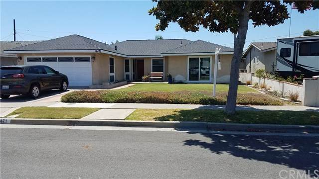 14471 Fairview Lane, Huntington Beach, CA 92647 (#OC20147798) :: Millman Team