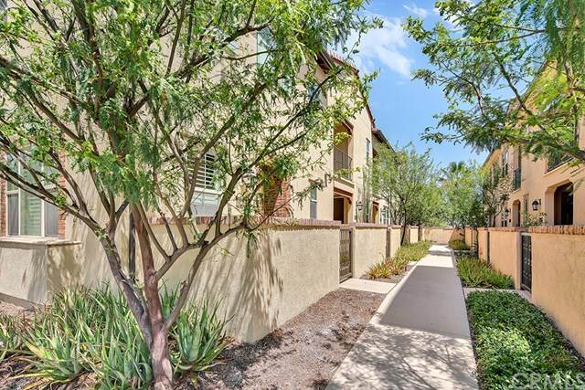 910 El Paseo, Lake Forest, CA 92610 (#OC20146365) :: Berkshire Hathaway HomeServices California Properties
