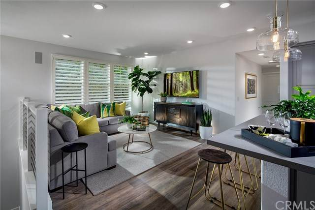 2958 Via Alta Place #47, San Diego, CA 92108 (#OC20148366) :: The Costantino Group | Cal American Homes and Realty