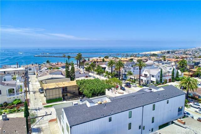 302-1/2 Marguerite Avenue, Corona Del Mar, CA 92625 (#OC20149975) :: Sperry Residential Group