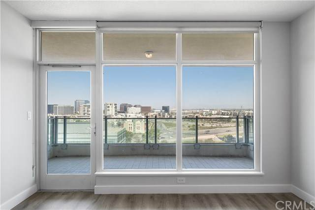 3131 Michelson Drive #1307, Irvine, CA 92612 (#OC20150049) :: Team Forss Realty Group