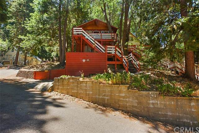 659 Pyramid Drive, Crestline, CA 92325 (#CV20151235) :: The Costantino Group | Cal American Homes and Realty