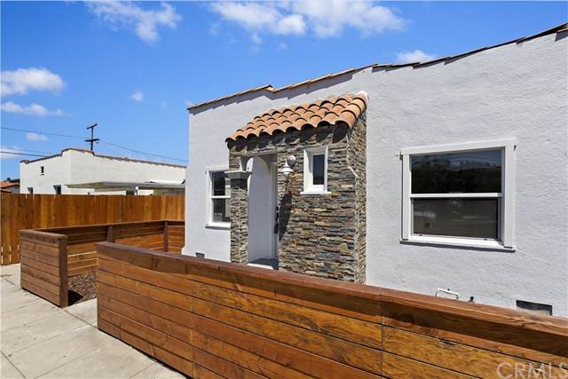 1710 S Cabrillo Avenue, San Pedro, CA 90731 (#IV20151599) :: Sperry Residential Group