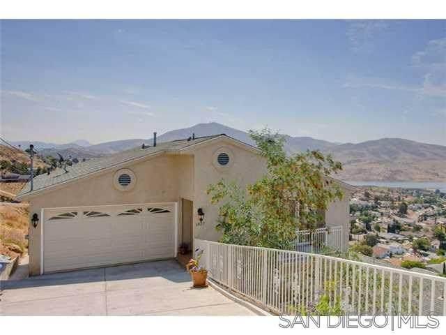 1427 Maria Ave, Spring Valley, CA 91977 (#200035987) :: Bob Kelly Team