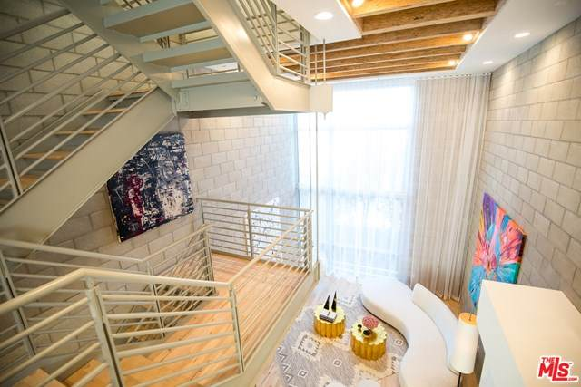 3450 W Cahuenga Boulevard #405, Los Angeles (City), CA 90068 (#20611438) :: Crudo & Associates