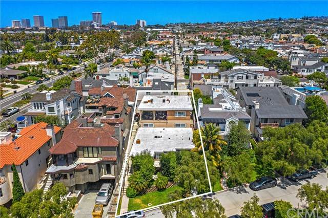 2208 Waterfront Drive, Corona Del Mar, CA 92625 (#NP20152418) :: Sperry Residential Group