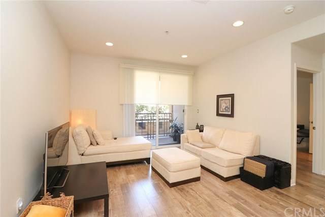 360 W Avenue 26 #142, Los Angeles (City), CA 90031 (#PW20152756) :: Allison James Estates and Homes