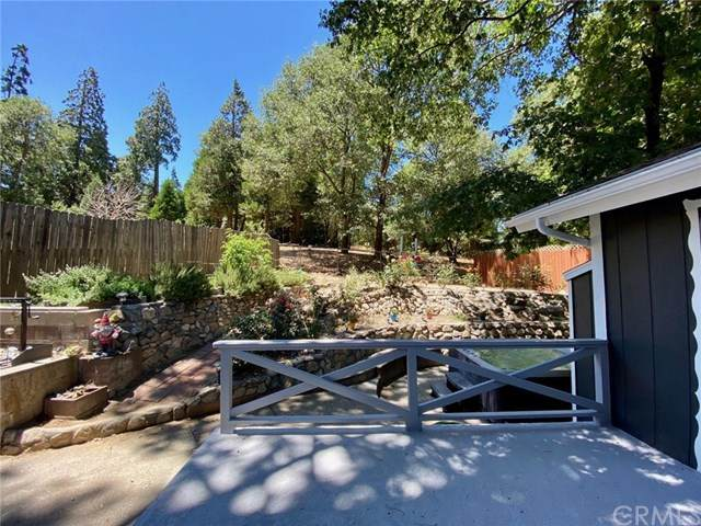 290 Weisshorn Drive, Crestline, CA 92325 (#OC20150303) :: The Costantino Group | Cal American Homes and Realty