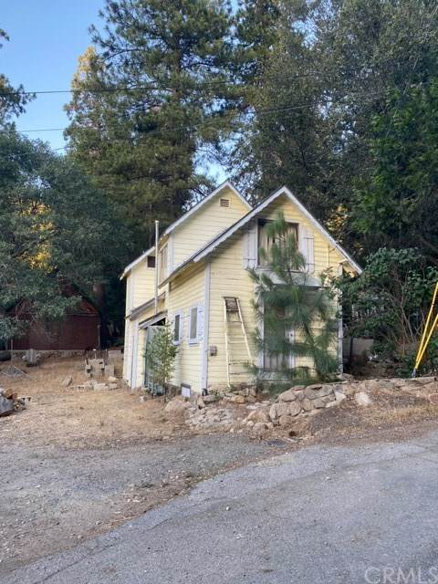 457 Pyramid Drive, Crestline, CA 92325 (#EV20153593) :: The Costantino Group | Cal American Homes and Realty