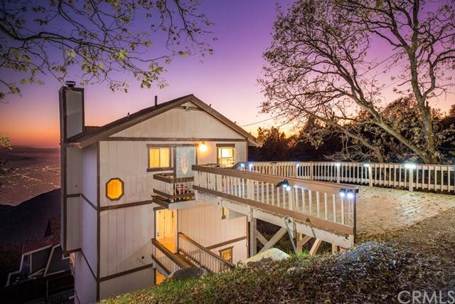 25130 Grandview Drive, Crestline, CA 92325 (#IV20153633) :: The Costantino Group | Cal American Homes and Realty