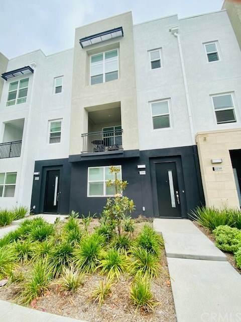 2240 Synergy, Irvine, CA 92614 (#TR20154091) :: Sperry Residential Group