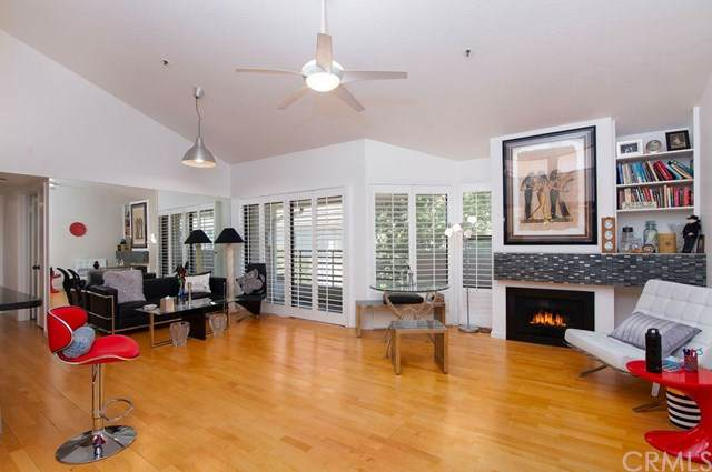 240 Nice Lane #302, Newport Beach, CA 92663 (#NP20154155) :: Twiss Realty